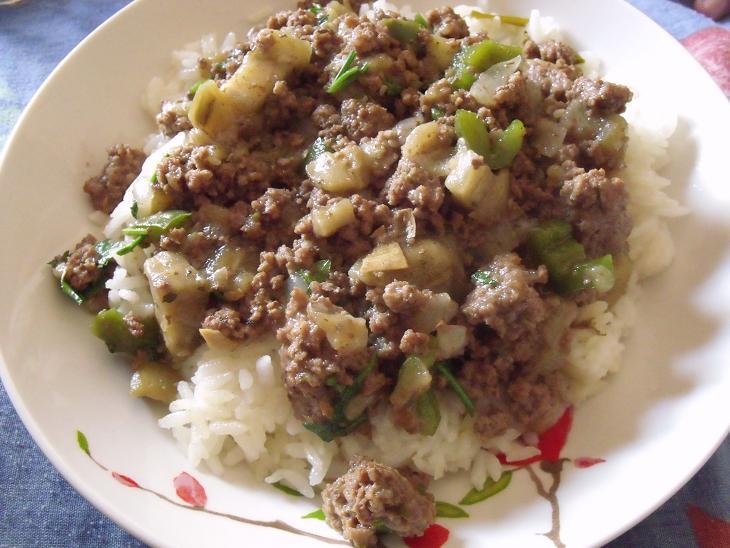 Мясо с баклажанами и перцем
